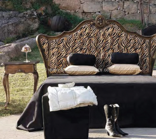 Glamour Bed with Wings